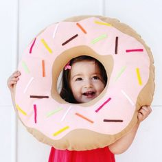 Learn how to make your own donut pillow with this super simple and sweet tutorial!