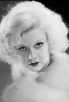 Dedicated to the original blonde bombshell Jean Harlow. Old Hollywood Movies, Vintage Hollywood, Hollywood Actresses, Classic Hollywood, Hollywood Glamour, Jean Harlow, Silent Film Stars, Movie Stars, Marilyn Monroe