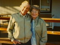 Gordan and Norma Yeager, a couple in Iowa, were married for 72 years before dying 1 hour apart, holding hands.