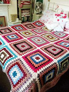 Transcendent Crochet a Solid Granny Square Ideas. Inconceivable Crochet a Solid Granny Square Ideas. Granny Square Blanket, Granny Square Crochet Pattern, Afghan Crochet Patterns, Crochet Squares, Crochet Granny, Granny Squares, Crochet Bedspread, Crochet Quilt, Crochet Blocks