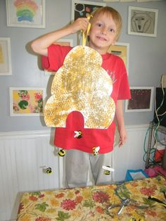 Today, Nathan was a buzzy bee. he made a bee hive, some bees and honey cookies. Bee Crafts For Kids, Diy For Kids, Kid Crafts, Toddler Art Projects, Projects For Kids, Honey Bee Kids, Honey Bees, Honey Cookies, Bee Theme