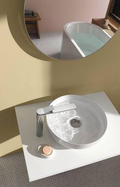 Heb jij slechts een kleine ruimte beschikbaar voor je toilet? Maak optimaal gebruik van je toiletruimte met de compacte toiletartikelen van Saniweb.