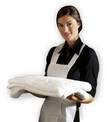 Personaje: La empleada- Una mujer de veinte años, tez blanca, pelo negro, y rostro placida y agradable.
