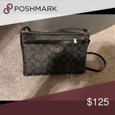 Coach Crossbody Purse Like new! 3 Weeks old! Perfect condition and smoke free home! Coach Bags Crossbody Bags