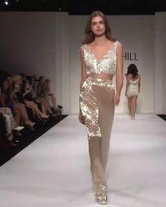 Sherri Hill Look Kollektion Frühling Sommer 2018 – Mode Outfits Fashion Week, Look Fashion, Fashion Art, High Fashion, Fashion Show, Fashion Design, Evening Outfits, Evening Dresses, Prom Dresses
