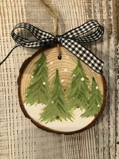 Crafts created with heart! Christmas Bows, Christmas Gift Tags, Handmade Christmas, Christmas Decorations, Xmas, Christmas Ornaments, Holiday Crafts, Home Crafts, Fun Crafts