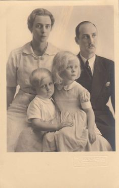 Margrave Berthold of Baden & Pss Theodora of Greece w. children - RARE 1935 phot | Collectibles, Postcards, Royalty | eBay!