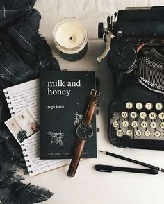 There's nothing we love more than a solid set of neutrals and a typewriter. | Books | Flatlay