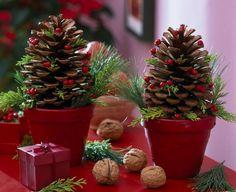 Szyszki w doniczkach - Świąteczne ozdoby z szyszek