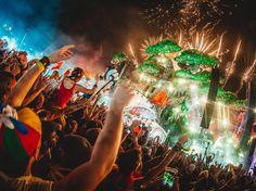 Esse povo sabe fazer festa viu. #tomorrowland #ihateflash