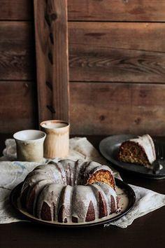 Vanilla Bean Malt Cake - yummy flavor, not the cake part Fruit Recipes, Sweet Recipes, Cake Recipes, Dessert Recipes, Just Desserts, Delicious Desserts, Yummy Food, Healthy Food, Let Them Eat Cake