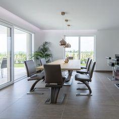 #internorminternational #largescaleglazing #kitchenview Kitchen Views, Modern Design, Restoration, Blog, Windows, Building, Table, Furniture, Home Decor