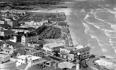 Surfer's Corner in Muizenberg has long been known as a hot spot of surfing culture and this weekend will be a memorable one. Old Pictures, Old Photos, Vintage Photos, Le Cap, Cape Town South Africa, Vintage Surf, Photo Story, Paris Skyline, City Photo