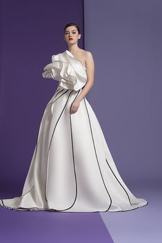 The FashionBrides is the largest online directory dedicated to bridal designers and wedding gowns. Find the gown you always dreamed for a fairy tale wedding. Couture Dresses, Bridal Dresses, Fashion Dresses, Prom Dresses, Runway Fashion, Fashion Show, Fashion Design, Fashion Fashion, Haute Couture Fashion