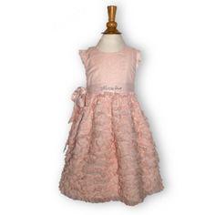 Robe de Cortège MONNALISA. Que dire de cette robe de marque ultra-chic, sinon qu'elle est somptueuse ?  Matière en voile de coton de qualité supérieure. Poitrine avec découpe forme chasuble, épaules volantées, dos fermé par boutons. Passants pour ceinture, fine ceinture à nouer sur le côté ou derrière avec la marque MONNALISA en strass délicats sur le devant ou le côté, selon comme on la noue. Bas de la robe toute en froufrous volantés. La robe est entièrement doublée. 34 Euros seulement !
