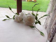 White rose wedding cake - middle tier