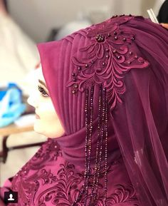 Mor aşkına There are different rumors about the history of the marriage dress; Hijabi Wedding, Wedding Hijab Styles, Muslimah Wedding Dress, Muslim Wedding Dresses, Bridal Dresses, Hijab Evening Dress, Hijab Dress, Evening Dresses, Dress Style Pakistani