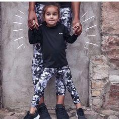 Den fineste tightsen! Röhnisch Flattering tights❤️ Kun str S til NÅ 150,- (499). Ta kontakt på PM. #treningsklærforkvinner #ladysport_no Sporty, Sweatpants, Tights, Style, Fashion, Fashion Styles, Navy Tights, Swag, Moda