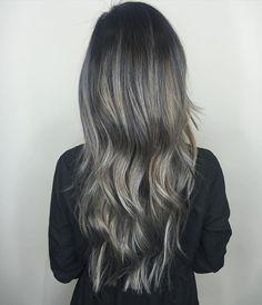 @modernsalon Shades of Grey using all @redken5thave shades eq formula➡️ (equal parts 8V+9B+1drop 1B) at the bowl on towel dried pre lightened hair using @olaplex #olaplex in foils.#modernsalon
