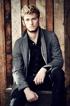 Alex Pettyfer - Falling in love.. with the style too!