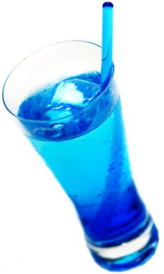 7. Soda plus food coloring is... a fresh and radiant blue drink (and it's alcohol-free ;)