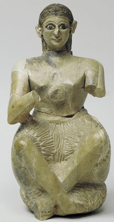 Seated statuette of Urnanshe, from the Ishtar temple at Mari. His arms, now broken off, are in front of his chest in a gesture of prayer.These statuettes dipicted the Sumerian people praising the gods. Middle East Culture, Middle Eastern Art, Ancient Aliens, Ancient History, Art History, Ancient Goddesses, Gods And Goddesses, Ancient Mesopotamia, Ancient Civilizations
