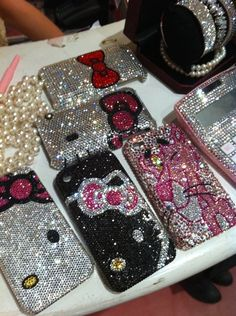 I seriously want an iphone 4s!    Hello kitty  rhinestone   phone case iphoneback cover by deco5444, $60.00