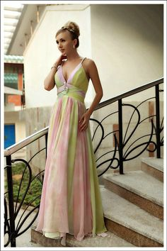 Color Block Spaghetti V Neck Floor Length Bridal Party Dress On Sale