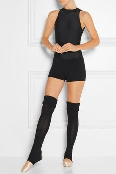 The boutique workout craze now has clothing made for tucking, toning, and quivering at the barre, like extra long leggings and chic contouring tanks. Ballet Workout Clothes, Barre Clothes, Dance Outfits, Cute Outfits, Ballet Outfits, Dancing Outfit, Tomboy Outfits, Emo Outfits, Dance Dresses