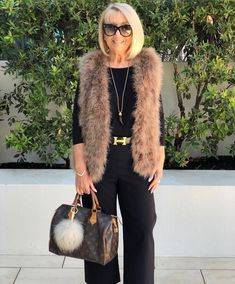 Best Fashion Tips For Women Over 60 - Fashion Trends Over 60 Fashion, Mature Fashion, Over 50 Womens Fashion, 50 Fashion, Fashion Tips For Women, Autumn Fashion, Fashion Outfits, Fashion Trends, Trendy Outfits