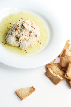 Italian White Bean Hummus -- Great party dip! Perfect for vegetarian guests. | TheFauxmartha.com