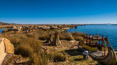 Titcacasjøens flytende øyer: Å besøke de berømte flytende øyene på Titicacasjøen var en ubeskrivelig flau opplevelse, ja en av de dårligere reiseopplevelsene jeg har hatt.