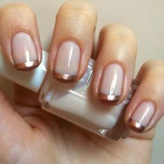 Bronze Twist | 17 Cute French Nail Designs To Celebrate Bastille DayDon't you just find French nail designs mesmerizing? French tips are simple yet add an overall elegant look on your nails.