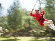 ¡Qué vooooooyyyyy! Una excursión, tirarse en tirolina, ir por puentes colgantes: ¿hay mejor aventura para hacer a cualquier edad y en familia?