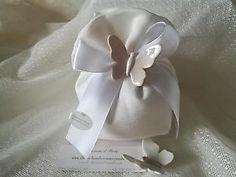 Bomboniera matrimonio con farfalla in ceramica cod. 80G Little Things, Confetti, Butterfly, Sculpture, Tableware, Gifts, Ideas Para, Packaging, Pasta
