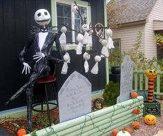 62 spooktacular diy halloween decorations holidays halloweenhalloween 2018nightmare before christmas - Nightmare Before Christmas Outdoor Halloween Decorations
