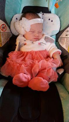 Baby E, Cute Baby Girl, Cute Babies, Newborn Girl Outfits, Baby Girl Newborn, Cute Baby Pictures, Baby Photos, Baby Buggy, Dancing Baby