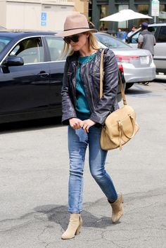 Reese Witherspoon - Reese Witherspoon Out with Her Family