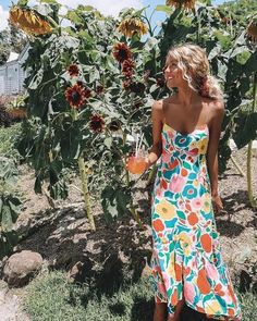 Floral print maxi dress Spaghetti straps V-neck Backless Color: Multi Material: 92 polyester, of spandex Season: Spring/Summer Style: Vintage/Boho (S) Bust: Length: (M) Bust: Length: (L) Bust: Length: (XL) Bust: Length: - Online Store Powered by Storenvy Chiffon Floral, Floral Print Maxi Dress, Boho Dress, Floral Sundress, Ruffle Dress, Mode Outfits, Fashion Outfits, Dress Fashion, Style Fashion