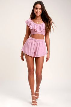 Make a sweet escape to somewhere exotic with the Amuse Society Cayo De Coco Lavender Smocked Crop Top! Ruffled crop top with a V-neck and smocked bodice. Hot Summer Outfits, Distressed Shorts, Ruffle Trim, Coco, Smocking, Boho Shorts, Lavender, Gym Shorts Womens, Sexy Women
