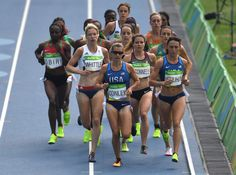 Athletes compete in the Women's 5000m Round 1 during the athletics event at the Rio 2016 Olympic Games at the Olympic Stadium in Rio de Janeiro on August 16, 2016.   / AFP / PEDRO UGARTE