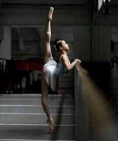 Pin by elena on dance танец, балет, балерины в яндекс. Ballerinas, Ballet Dancers, Tumblr Ballet, Ballet Dance Photography, Photography Books, Photography Backdrops, Macro Photography, Wedding Photography, Poses References