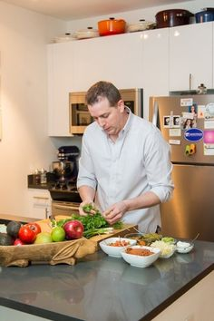 Chef Ed Cotton's Comfortable Queens Kitchen — Kitchen Tour and Profile: Part One