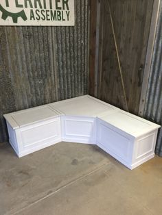 Corner Bench Seat with Storage #fairfieldgrantswishes