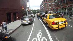 Ojo con las puertas de los autos que se abren de la puta nada #bicicletas #bikes
