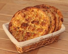 Recipes for Tasty Global Snacks and Meals Good Food, Yummy Food, Tasty, Turkish Pizza, Pain Pita, Iftar, Light Recipes, Sin Gluten, Vegan Recipes