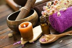 Aromatherapy and Massage is a popular form of natural healing work that involves using aromatic essential oils to promote health and well being. Aromatherapy And Massage . Ayurveda, Holistic Massage, Massage Wellness, Holistic Healing, Natural Healing, Good Massage, Wellness Center, Lower Blood Pressure, Massage Therapy