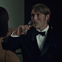 Everything Hannibal wore on 'Hannibal' Hannibal Lecter Series, Nbc Hannibal, Will Graham, Series Movies, Tv Series, Netflix, Hugh Dancy, Mads Mikkelsen, Role Models