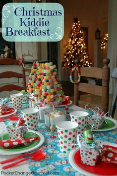 Hosting a special breakfast for the kiddos on Christmas morning is a lots of fun! The key is to keep it simple and have fun! With just a few simple supplies and easy recipes, you can create this whimsical Christmas Kiddie Breakfast too! Christmas Morning Breakfast, Christmas Brunch, Christmas Tablescapes, Noel Christmas, Christmas Goodies, Winter Christmas, Holiday Fun, Christmas Crafts, Christmas Decorations
