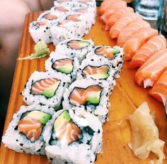 "sushimode: ""Now that is some super awesome sushi ☺️🍣👌 via 📷 "" Cute Food, I Love Food, Yummy Food, Food Porn, Food Goals, Aesthetic Food, Food Cravings, My Favorite Food, Soul Food"